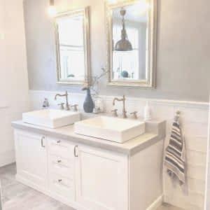 Açık Renk Banyo Dolabı ve Mobilyası 300x300 - Banyo Dolapları
