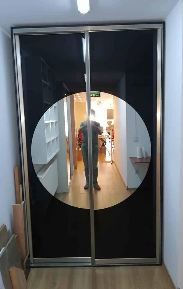 1 600x946 - Yuvarlak Aynalı Giyinme Dolabı